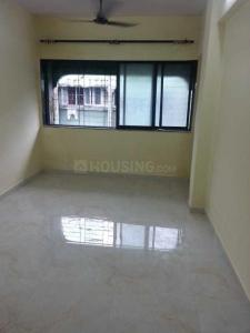 Gallery Cover Image of 415 Sq.ft 1 BHK Apartment for rent in Kandivali West for 15000