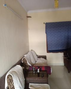 Gallery Cover Image of 950 Sq.ft 2 BHK Independent Floor for rent in Munnekollal for 19000