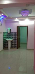 Gallery Cover Image of 750 Sq.ft 2 BHK Apartment for rent in Keshtopur for 8500