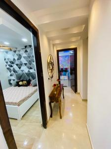 Gallery Cover Image of 750 Sq.ft 1 BHK Independent Floor for buy in Chauhan Sunlight Residency, Sector 44 for 1600000