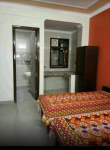 Bedroom Image of Girls PG in Sector 17