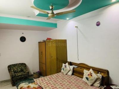 Gallery Cover Image of 1200 Sq.ft 3 BHK Apartment for buy in Saket for 5900000
