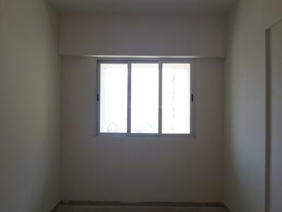 Gallery Cover Image of 410 Sq.ft 1 BHK Apartment for rent in Malad East for 25000
