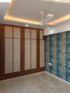 Gallery Cover Image of 2000 Sq.ft 3 BHK Apartment for rent in Sector 5 Dwarka for 33000