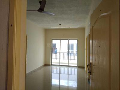Gallery Cover Image of 700 Sq.ft 2 BHK Apartment for rent in Mambakkam for 9500