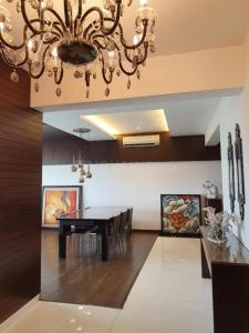 Gallery Cover Image of 5600 Sq.ft 5 BHK Independent Floor for buy in Oberoi Sky Gardens, Andheri West for 200000000