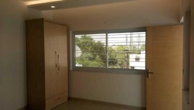 Gallery Cover Image of 14000 Sq.ft 2 BHK Apartment for buy in Vasant Kunj for 21200000