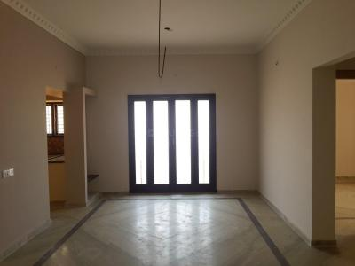 Gallery Cover Image of 1350 Sq.ft 3 BHK Apartment for rent in Maduravoyal for 35000