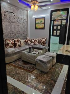 Gallery Cover Image of 500 Sq.ft 2 BHK Independent Floor for buy in Bindapur for 2100000