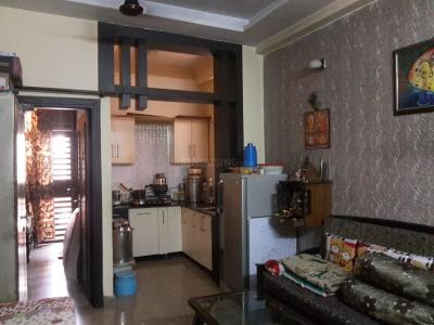 Gallery Cover Image of 750 Sq.ft 1 BHK Apartment for rent in Gyan Khand for 11000