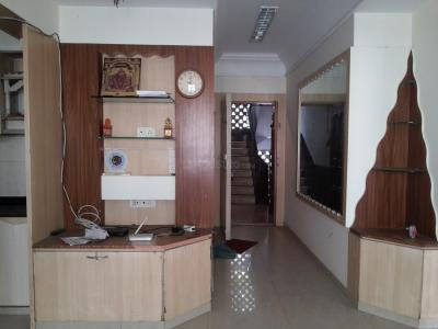Gallery Cover Image of 700 Sq.ft 2 BHK Apartment for rent in Vile Parle East for 45000