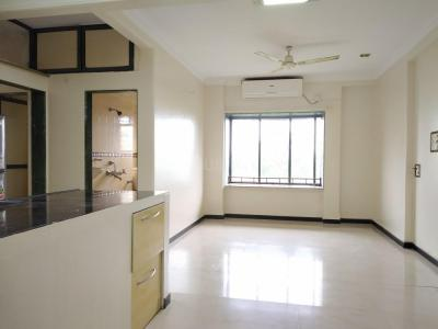 Gallery Cover Image of 750 Sq.ft 1 BHK Apartment for rent in Bandra West for 50000