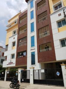 Gallery Cover Image of 914 Sq.ft 2 BHK Apartment for buy in Urapakkam for 3290400