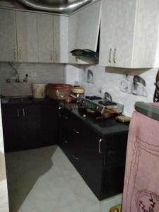 Gallery Cover Image of 500 Sq.ft 1 BHK Independent Floor for buy in Dwarka Mor for 1600000