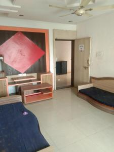 Gallery Cover Image of 990 Sq.ft 2 BHK Apartment for rent in Kondhwa Budruk for 14000