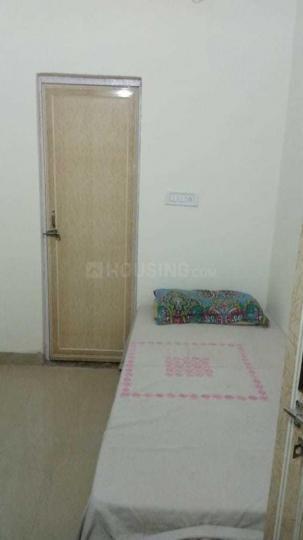 बलजीत नगर में सुधीर पीजी में बेडरूम की तस्वीर