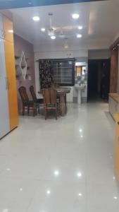 Gallery Cover Image of 2500 Sq.ft 4 BHK Apartment for rent in Adhishthan Apartment, Pallavi Nagar for 24000