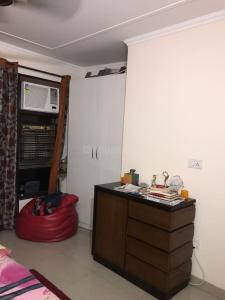 Gallery Cover Image of 1350 Sq.ft 2 BHK Independent House for rent in Sector 10A for 14500