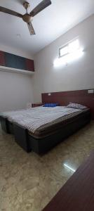 Gallery Cover Image of 1000 Sq.ft 2 BHK Apartment for rent in Egmore for 30000