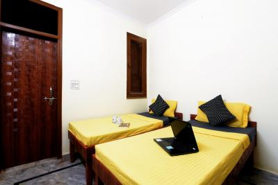 Bedroom Image of Oyo Life Del2540 Uttam Nagar East Metro in Bindapur