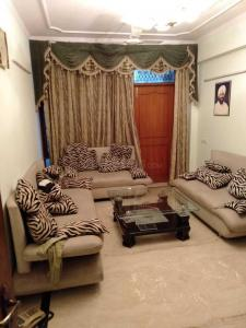 Gallery Cover Image of 1780 Sq.ft 3 BHK Independent Floor for rent in Sector 50 for 34000
