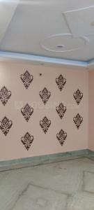 Gallery Cover Image of 800 Sq.ft 2 BHK Independent Floor for rent in RWA Yamuna Vihar Block C2, Shahdara for 13000