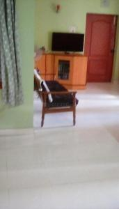 Gallery Cover Image of 1375 Sq.ft 3 BHK Apartment for buy in Saligramam for 13300000