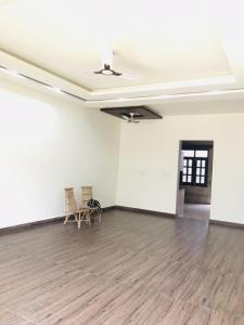 Gallery Cover Image of 5000 Sq.ft 3 BHK Independent House for rent in Sainik Farm for 50000