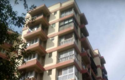 Gallery Cover Image of 2000 Sq.ft 3 BHK Apartment for rent in Juhu for 210000