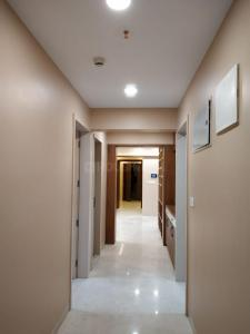 Gallery Cover Image of 3145 Sq.ft 4 BHK Apartment for buy in Kundan Emirus, Baner for 36000000