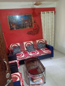 Gallery Cover Image of 750 Sq.ft 1 BHK Apartment for buy in Mahalaxmi Apartment, Vashi for 8000000