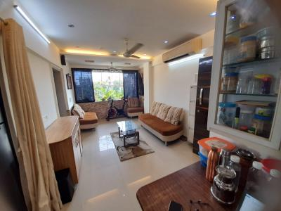 Gallery Cover Image of 600 Sq.ft 2 BHK Apartment for buy in Andheri East for 18000000