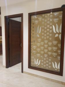 Gallery Cover Image of 1375 Sq.ft 3 BHK Apartment for buy in Defence Enclave, Sector 44 for 4600000