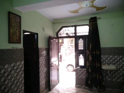 Gallery Cover Image of 650 Sq.ft 1 BHK Independent Floor for buy in Shakur Basti for 4000000