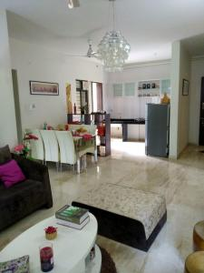 Gallery Cover Image of 1055 Sq.ft 2 BHK Apartment for buy in Godrej Horizon, Mohammed Wadi for 5050000