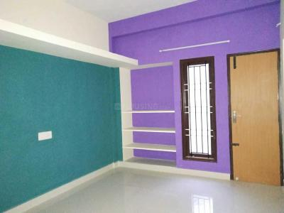 Gallery Cover Image of 800 Sq.ft 2 BHK Apartment for buy in Kundrathur for 2700000