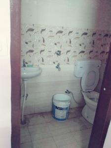 Common Bathroom Image of Lakshay House in Sector 17