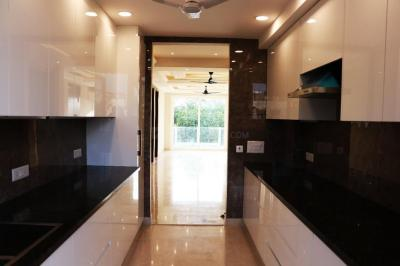 Gallery Cover Image of 1670 Sq.ft 3 BHK Apartment for buy in Greenwood Plaza, Sector 46 for 19500000