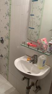 Bathroom Image of Ameet PG in Andheri West