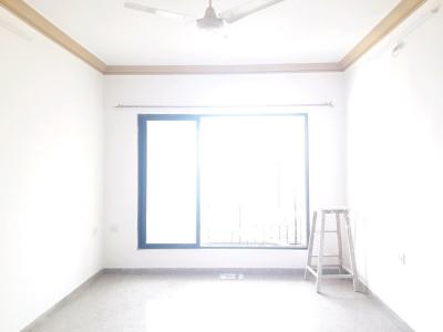 Gallery Cover Image of 950 Sq.ft 2 BHK Apartment for buy in Malad East for 16000000