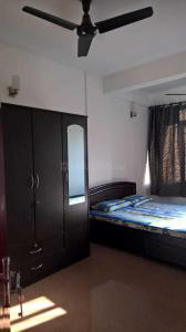 Gallery Cover Image of 1200 Sq.ft 2 BHK Apartment for rent in Murugeshpalya for 32000