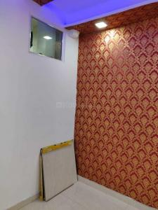 Gallery Cover Image of 350 Sq.ft 1 BHK Independent Floor for buy in Sector 4 Rohini for 3300000