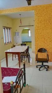 Gallery Cover Image of 720 Sq.ft 2 BHK Apartment for rent in Kartik Nagar for 13000