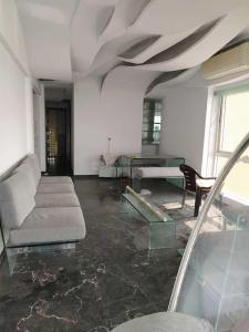 Gallery Cover Image of 1400 Sq.ft 3 BHK Apartment for rent in Bandra West for 225000