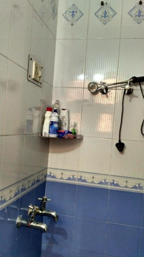 Common Bathroom Image of 600 Sq.ft 1 BHK Apartment for buy in Sector 46 for 2700000