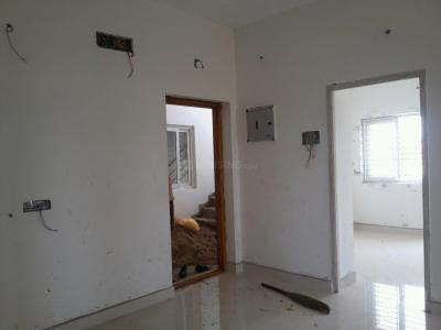 Gallery Cover Image of 700 Sq.ft 2 BHK Apartment for buy in Thandalam for 2730000
