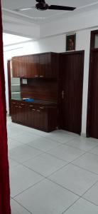 Gallery Cover Image of 1300 Sq.ft 2 BHK Apartment for rent in Vardhman Silver Crown, Lalarpura for 10400