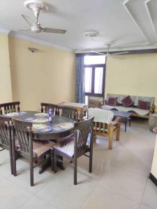 Gallery Cover Image of 1800 Sq.ft 2 BHK Independent Floor for rent in Malviya Nagar for 30000