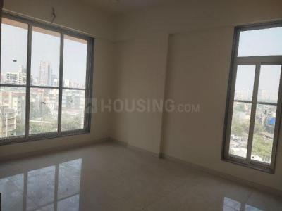 Gallery Cover Image of 1050 Sq.ft 2 BHK Apartment for buy in Malad West for 18500000