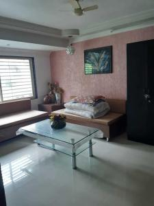 Gallery Cover Image of 2970 Sq.ft 3 BHK Independent House for buy in Bodakdev for 34500000
